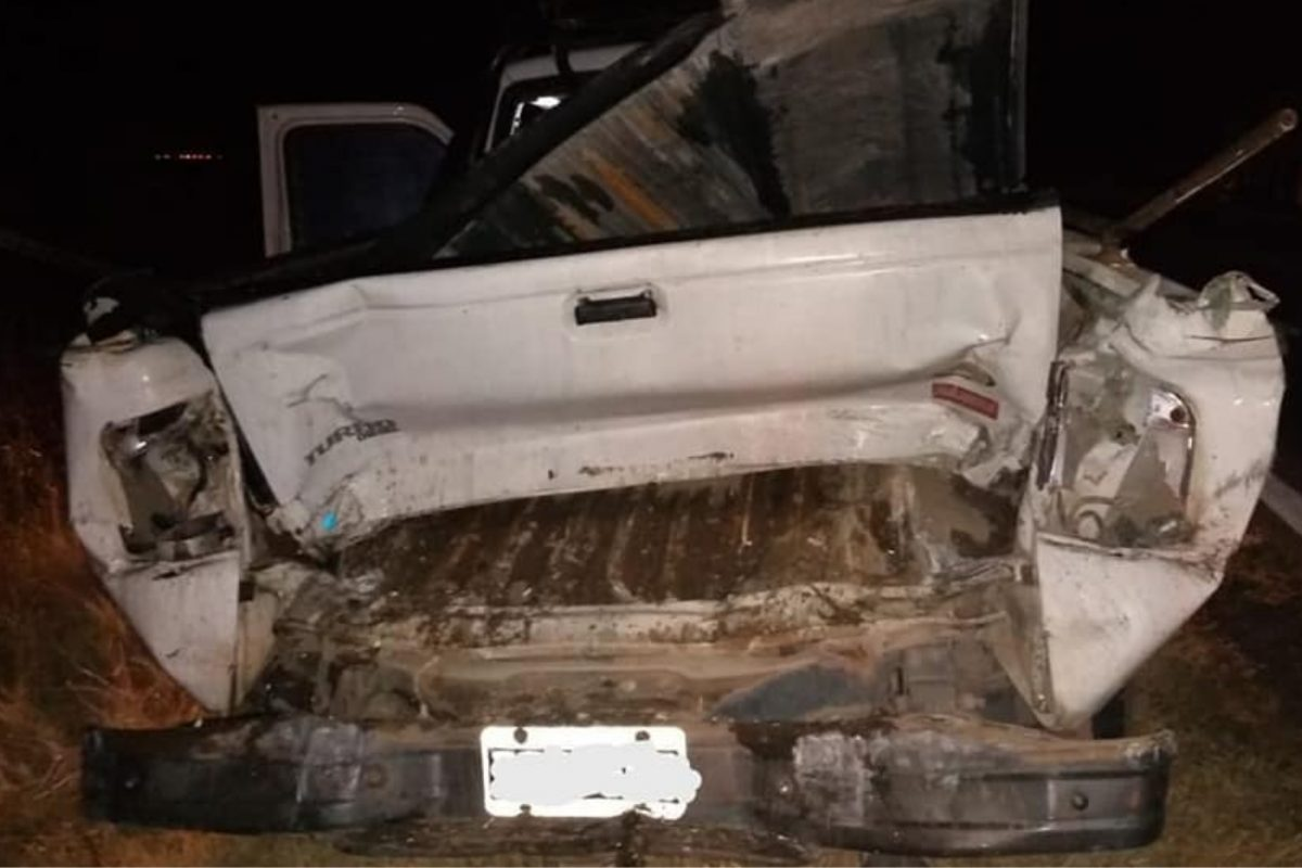 Accidente: camión y pick up protagonizaron un choque cerca de V. Mackenna