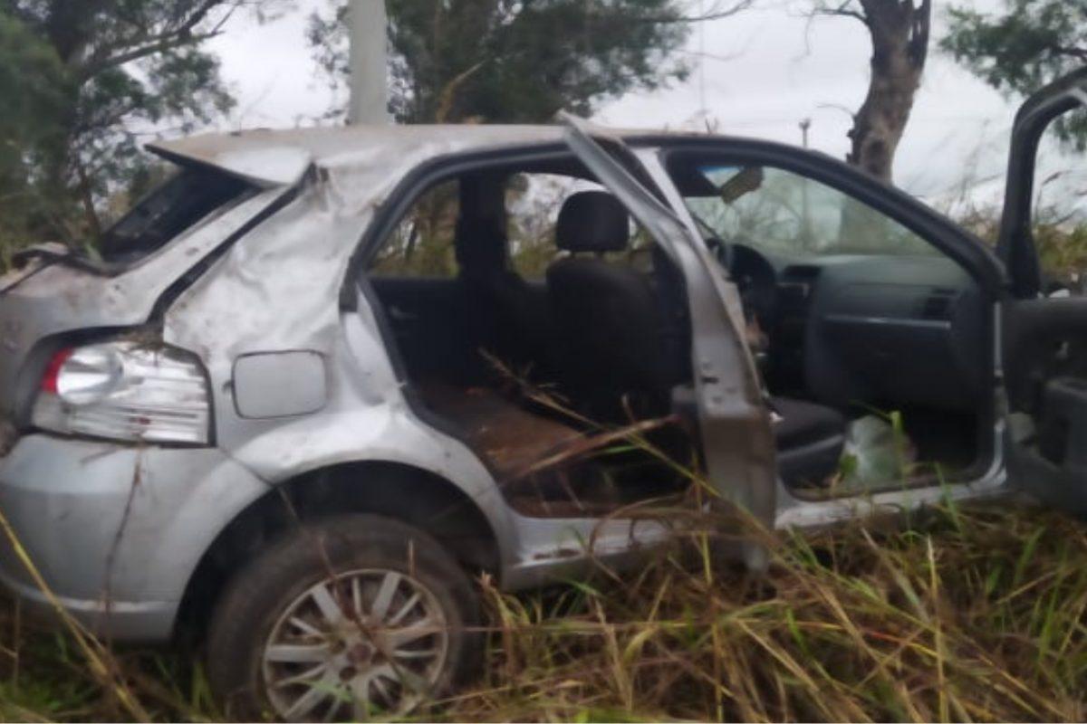 Vehículo despistó en Ruta 27 y uno de los ocupantes fue derivado a Río Cuarto