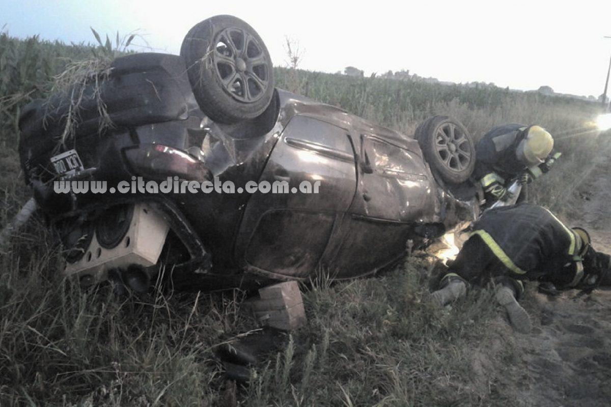Serrano: un jovitense volcó en uno de los accesos a la localidad