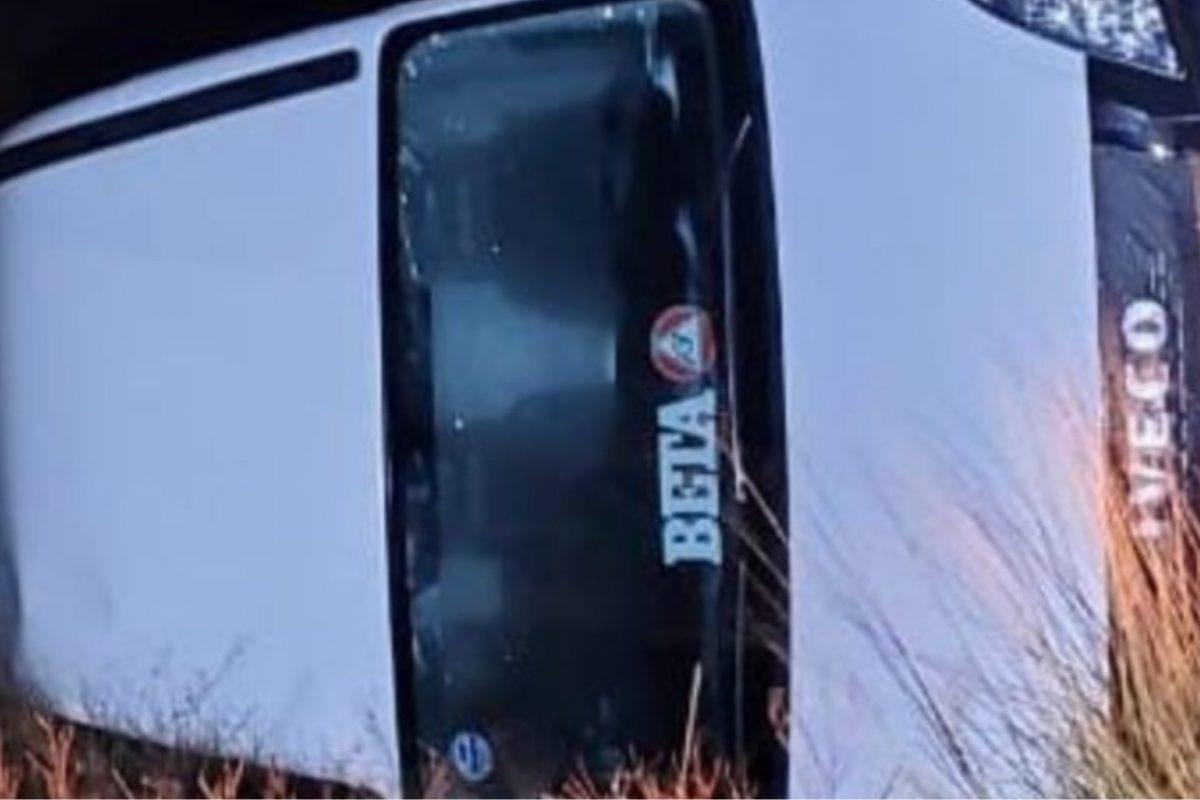 Vehículo utilitario volcó en Ruta 26, cerca de Pincen; solo daños materiales