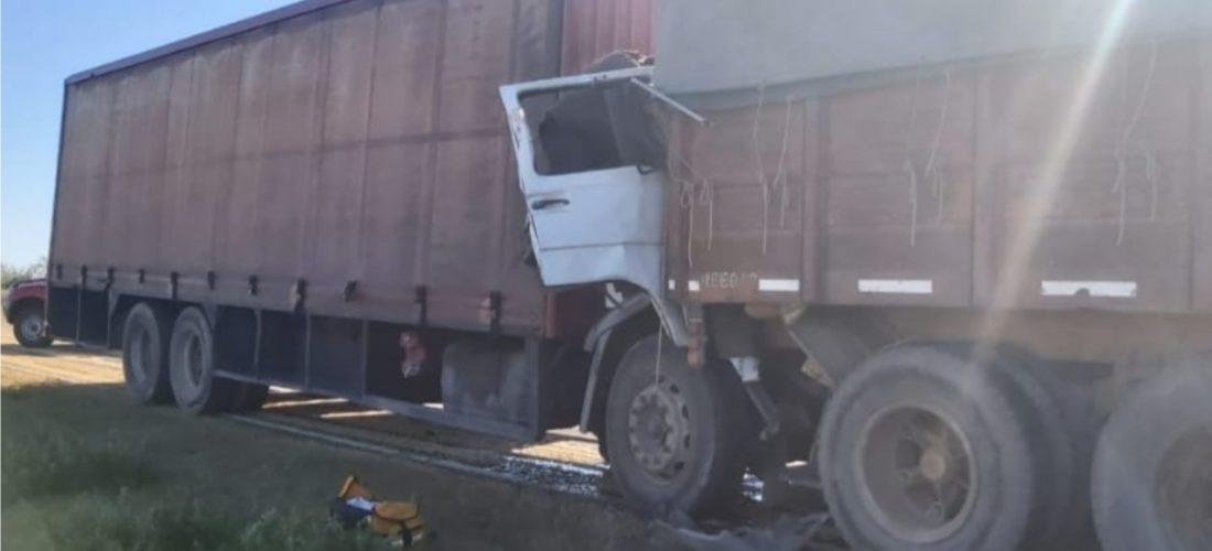 Accidente fatal: murió un transportista de Laboulaye en choque de camiones