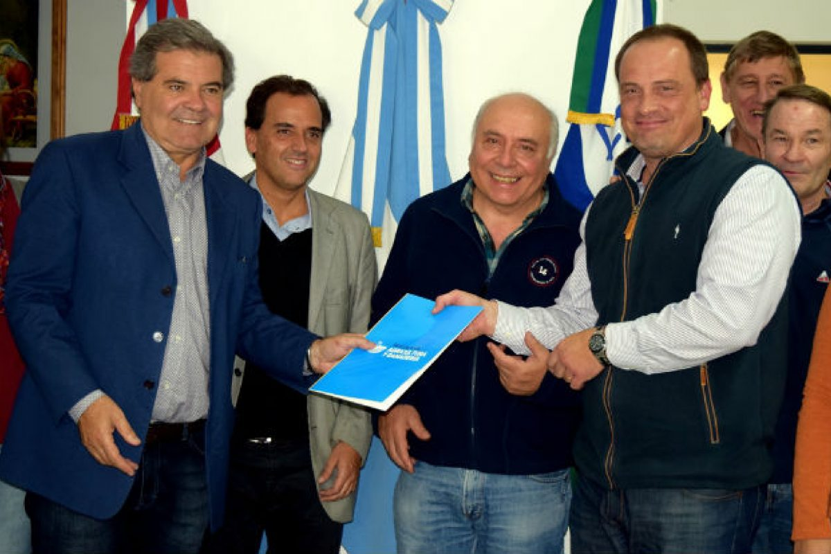 Conservación de suelos: Busso entregó $ 292.000 en Río Cuarto