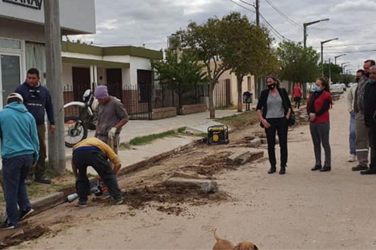 Del Campillo: el Municipio empieza obra de pavimento articulado en calle V. Sársfield