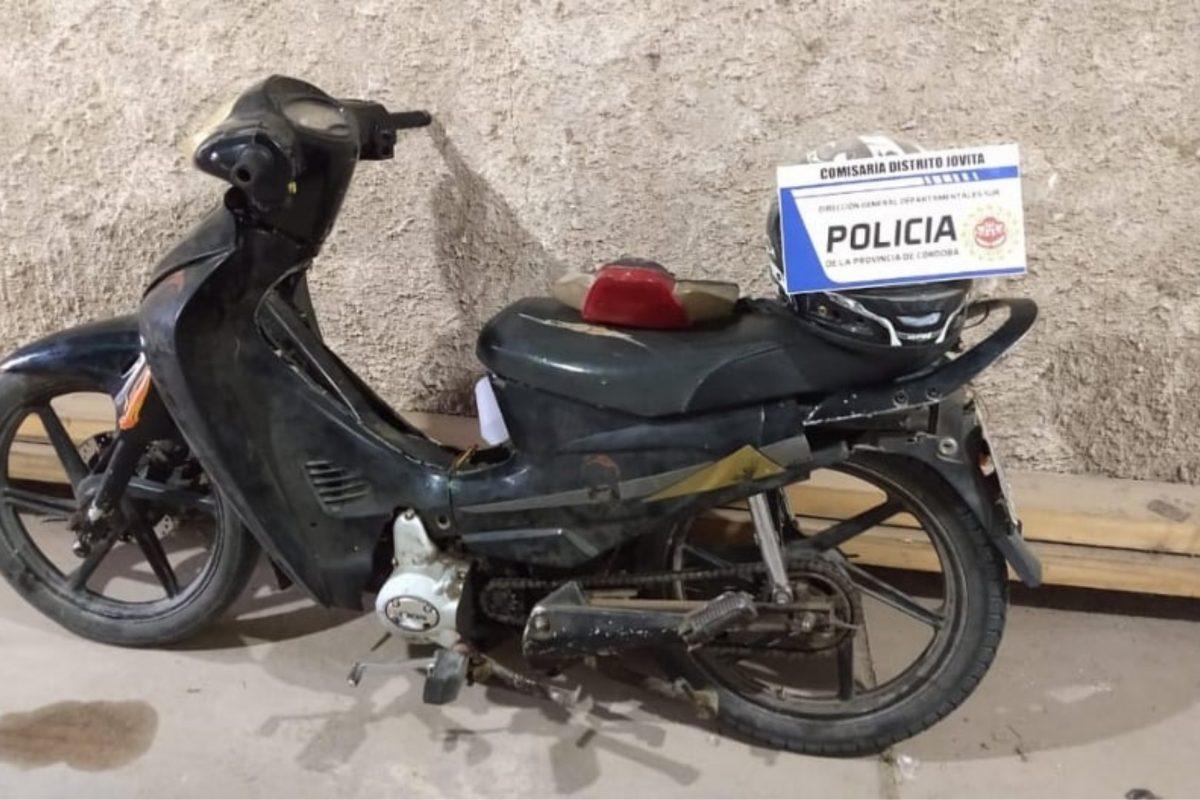 Jovita: personal policial recuperó una moto sustraída a un joven de la localidad
