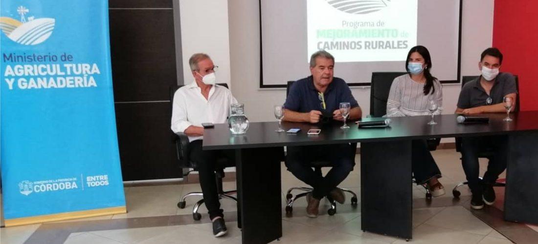 Avanza el programa de mejoramiento de caminos rurales en el sur cordobés