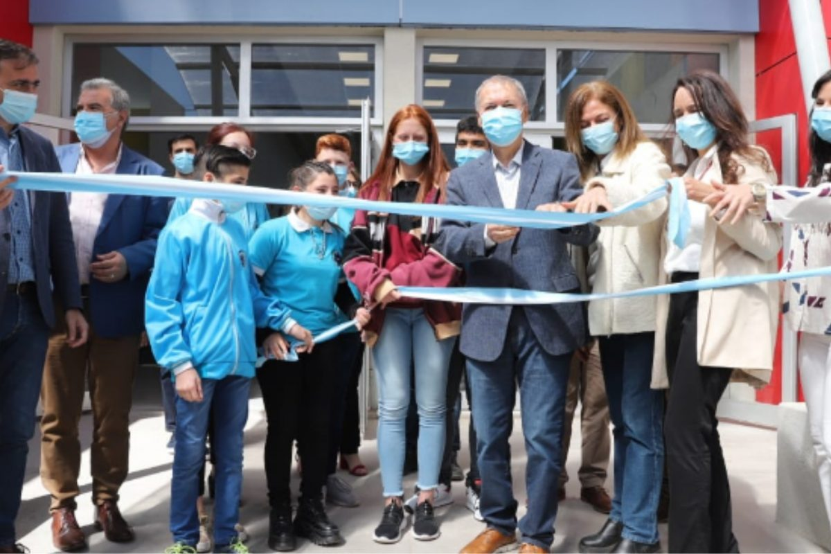 Schiaretti inauguró la escuela ProA en Laboulaye y supervisó obras de la Provincia