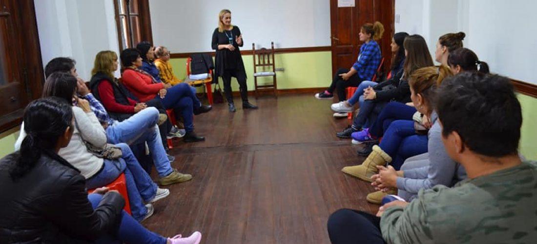 """Laboulaye: comenzó a dictarse el curso """"Lengua de Señas"""" en la Casa de la Cultura"""