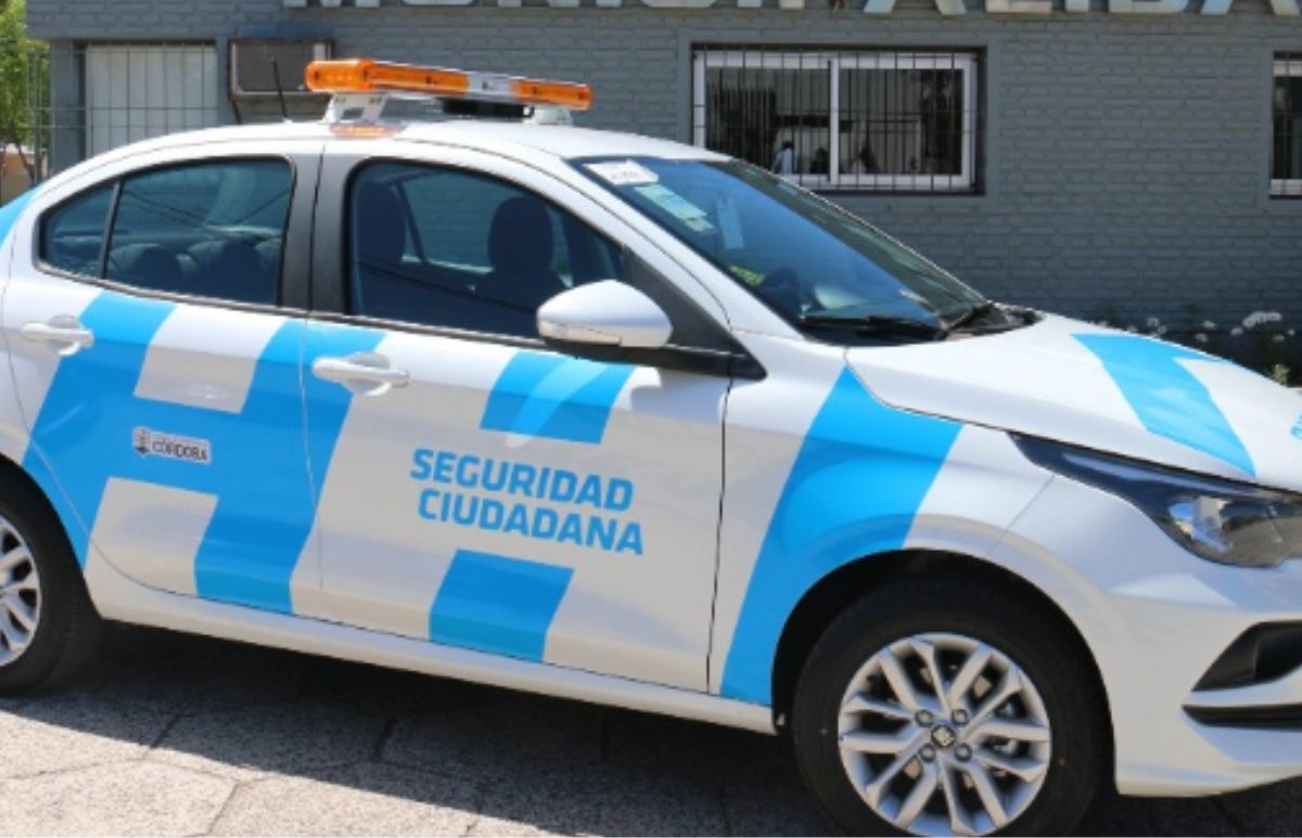 Provincia entregó un nuevo vehículo de seguridad ciudadana en Mackenna