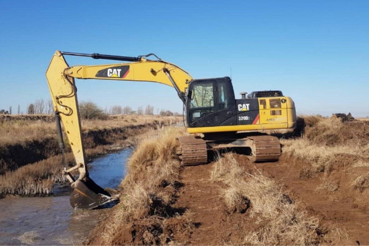 Obras hídricas: continúan los trabajos en el departamento Pte. Roque Sáenz Peña