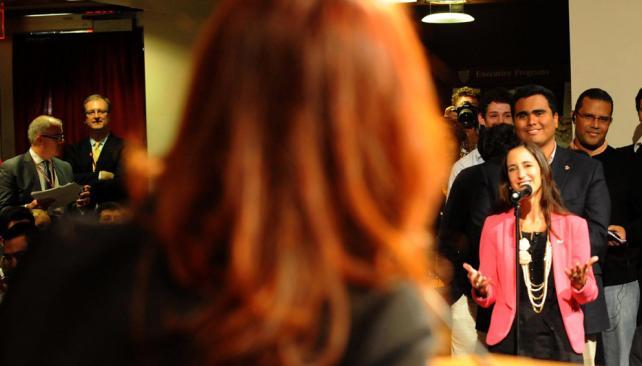 Murió atropellada la joven que hizo la primera pregunta a Cristina en Harvard