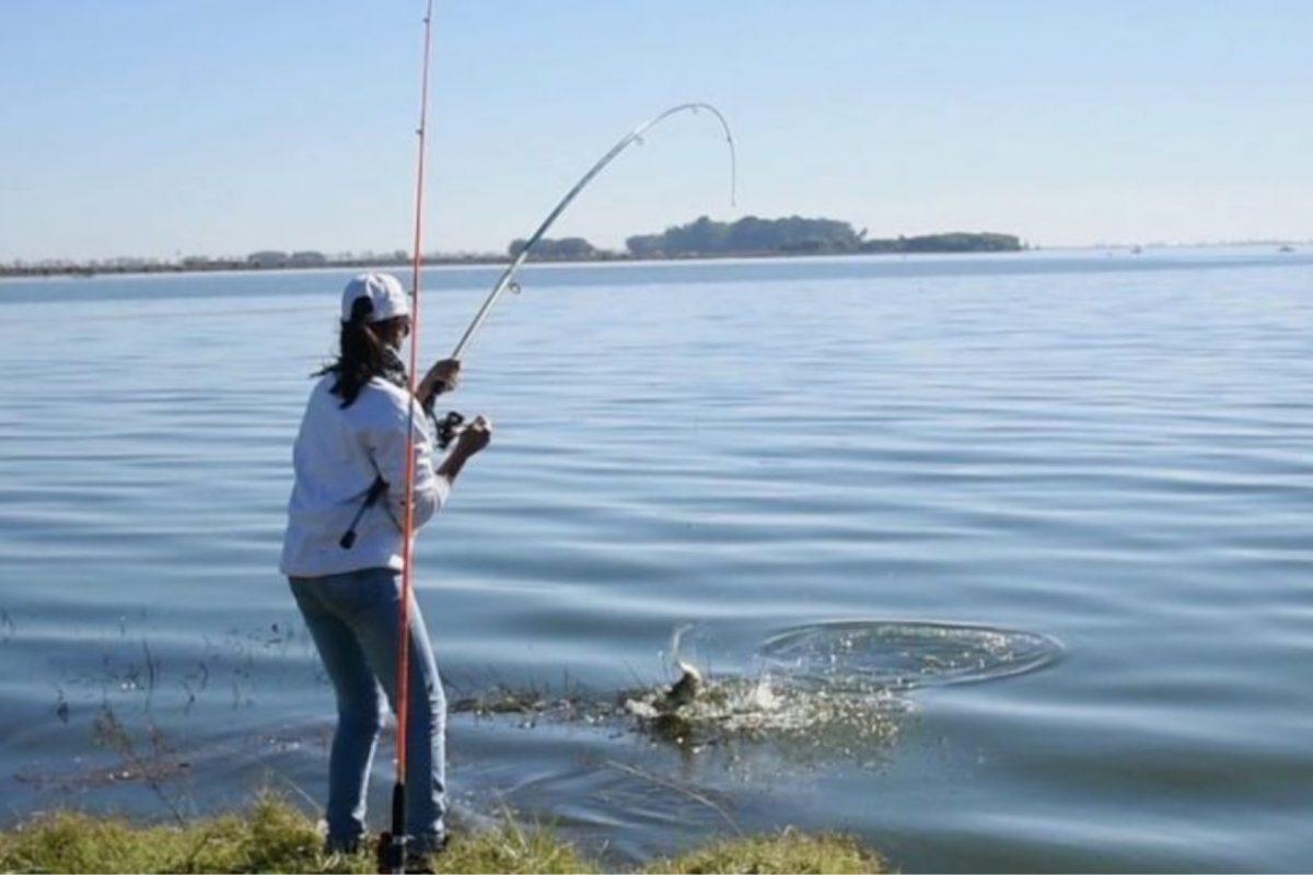 La Provincia habilitó hoy la pesca deportiva y paseos en moto, entre otras actividades