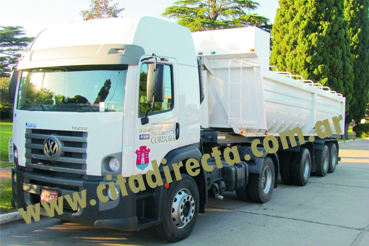 Gobierno provincial entregó camión 0 Km a la comunidad regional Roque S. Peña