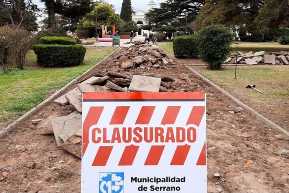 Ponen en marcha plan de remodelación de la céntrica plaza Oostendorp en Serrano