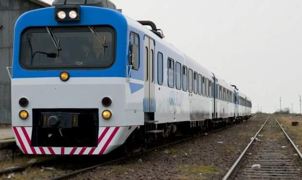 Vuelve el tren de pasajeros naci n prueba estado de v as for Ministerio del interior y transporte de la nacion