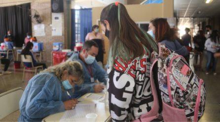 Comienza la vacunación de adolescentes de 12 y 13 años sin comorbilidades