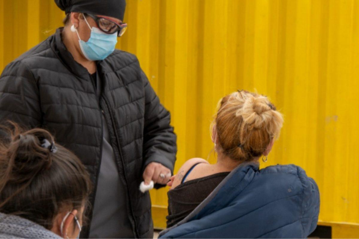 Covid: mayores de 18 podrán completar sin turno el esquema de vacunación