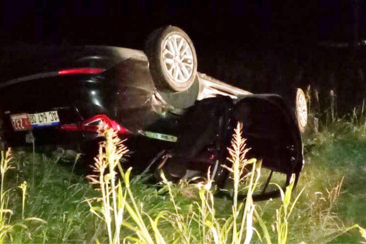 Automóvil protagonizó un despiste y posterior vuelco sobre Ruta Nº 27
